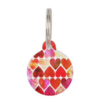 Diseño sucio rojo de los corazones de la MOD Identificador Para Mascota