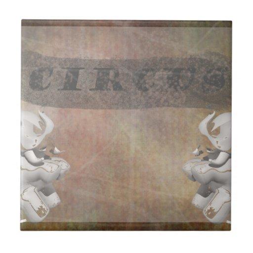 Diseño, texto y elefantes del circo en esquina azulejo ceramica