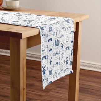 Diseño tradicional azul holandés camino de mesas corto