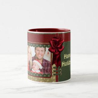 Diseño tradicional elegante del navidad taza