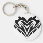 Diseño tribal del corazón llaveros personalizados