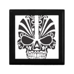 Diseño tribal del cráneo caja de regalo