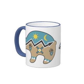 Diseño tribal del oso taza a dos colores