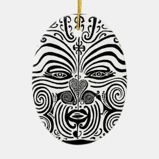 Diseño tribal del tatuaje - Nueva Zelanda maorí Adorno Navideño Ovalado De Cerámica