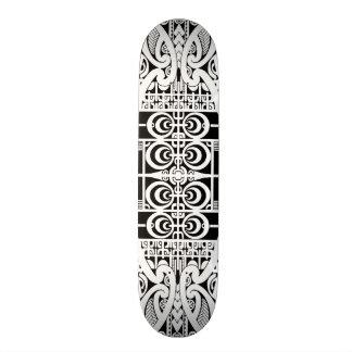 Diseño tribal maorí y de Marquesas del tatuaje Tabla De Patinar