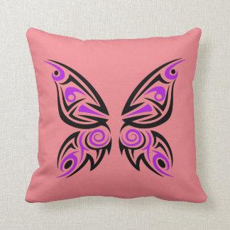Diseño tribal negro púrpura del tatuaje de la almohadas
