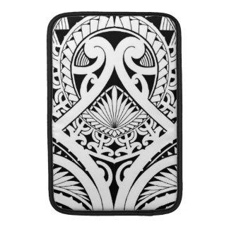 Diseño tribal polinesio/maorí del tatuaje funda para macbook air