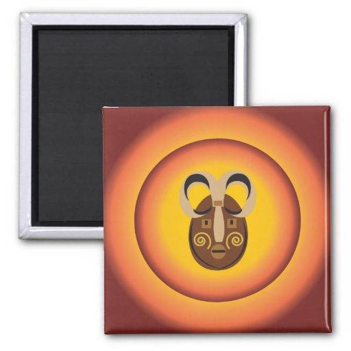 Diseño tribal primitivo del resplandor de Sun de l Iman De Nevera
