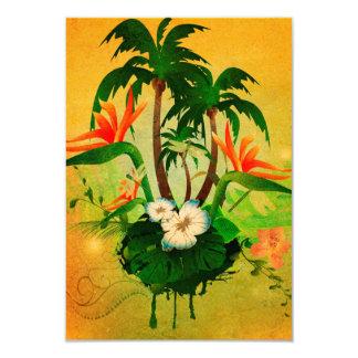 """Diseño tropical con las flores y las palmeras invitación 3.5"""" x 5"""""""