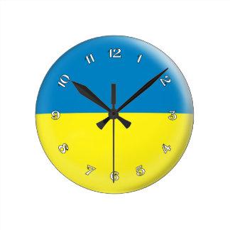 Diseño ucraniano de la burbuja de la bandera de reloj redondo mediano