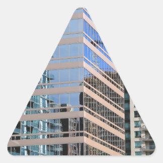Diseño urbano de los edificios pegatina triangular