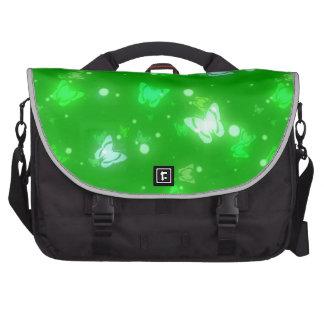 Diseño verde claro de las mariposas ligeras del re bolsas para portatil