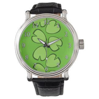 Diseño verde claro lindo de las hojas del cojín de reloj de mano