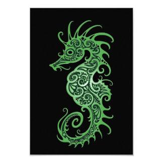 """Diseño verde complejo del Seahorse en negro Invitación 3.5"""" X 5"""""""