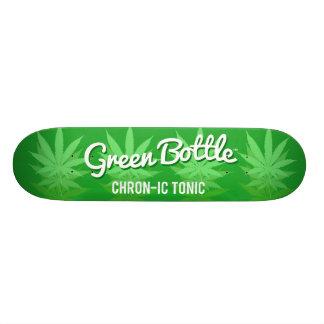 Diseño verde de la hoja de la botella patin
