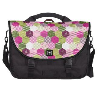 Diseño verde rosado bonito del edredón de remiendo bolsas de portátil