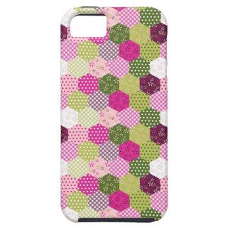 Diseño verde rosado bonito del edredón de remiendo iPhone 5 Case-Mate carcasas