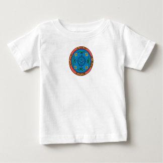 Diseño y signo de la paz coloridos del medallón remera