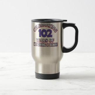 diseños 102 años taza de viaje