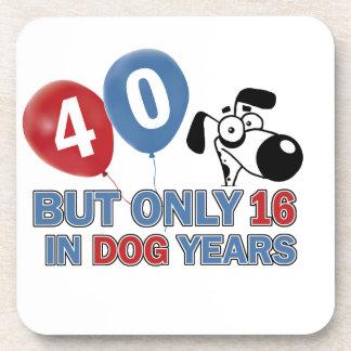 diseños 40 años de los años del perro posavasos de bebida