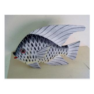 Diseños blancos y negros de los pescados postal