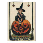 Diseños de Halloween de la bruja del vintage Felicitacion
