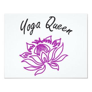 """¡Diseños de la reina de la yoga! Invitación 4.25"""" X 5.5"""""""