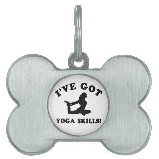 Diseños de la yoga y artículos del regalo placa de nombre de mascota
