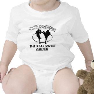 Diseños de los artes marciales de Kickboxing Trajes De Bebé