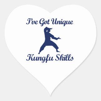 diseños del arte marcial del fu del kung pegatina en forma de corazón