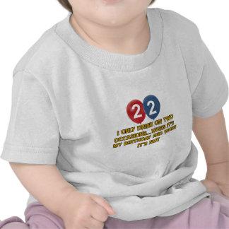 diseños del cumpleaños de 22 años camisetas