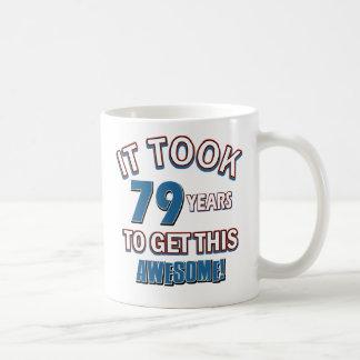 diseños del cumpleaños de 79 años taza clásica