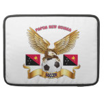 Diseños del fútbol de Papúa Nueva Guinea Funda Para Macbooks