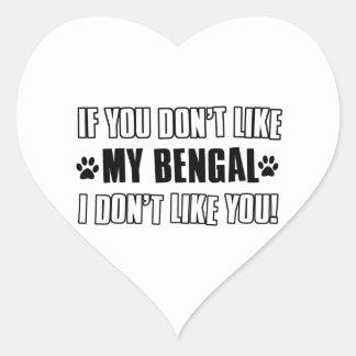 diseños del gato de Bengala Pegatina En Forma De Corazón