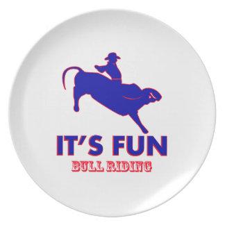 diseños del montar a caballo del toro platos
