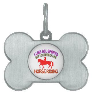Diseños del montar a caballo placa de mascota