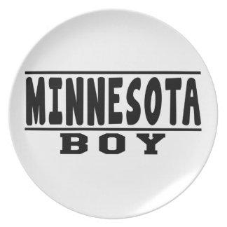 Diseños del muchacho de Minnesota Platos De Comidas