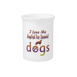 Diseños del perro de aguas de juguete inglés jarras