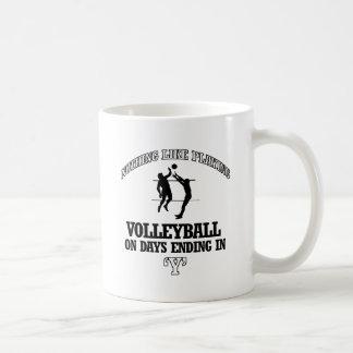 diseños del voleibol taza clásica