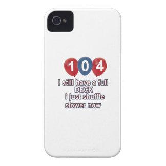 diseños divertidos del cumpleaños de 104 años iPhone 4 protector