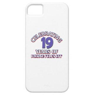 Diseños DIVERTIDOS del cumpleaños de 19 años iPhone 5 Case-Mate Fundas