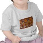 Diseños exóticos de la tela camiseta