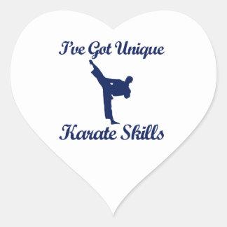 diseños frescos del karate pegatina en forma de corazón