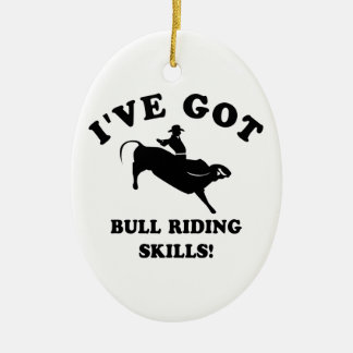 diseños frescos del montar a caballo del toro adorno navideño ovalado de cerámica