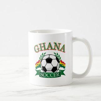 Diseños ghaneses del fútbol taza