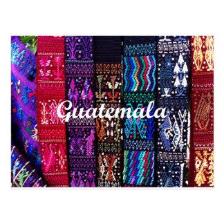 Diseños guatemaltecos de la materia textil tarjeta postal