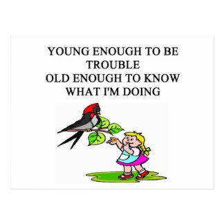 diseños jovenes del hijo y de la hija del palo de postal