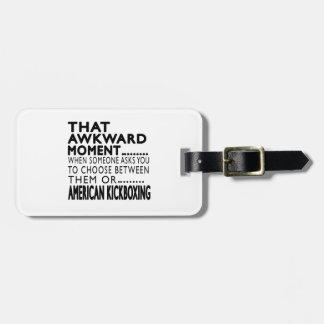 Diseños kickboxing americanos de ese momento torpe etiquetas para maletas