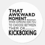 Diseños kickboxing de ese momento torpe pegatina redonda