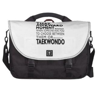 Diseños torpes del ese Taekwondo del momento Bolsas Para Portátil
